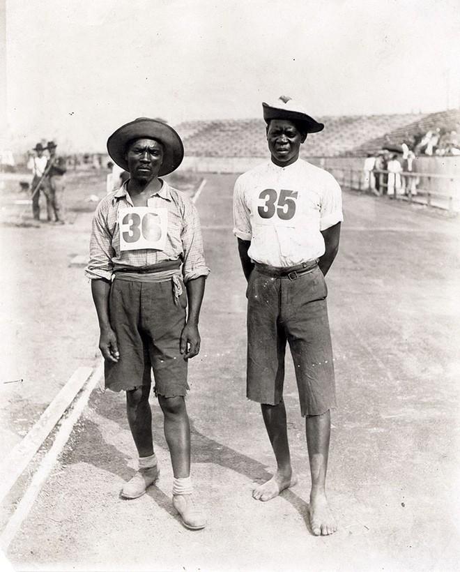 Không cho VĐV uống nước, bắt nuốt thuốc chuột thay doping và những bí mật động trời tại marathon Olympic 1904 - Ảnh 9.