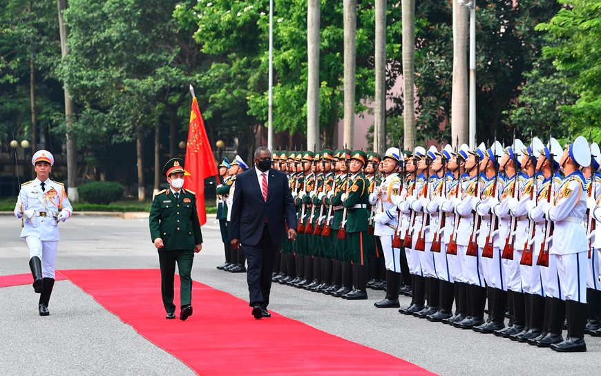 Bộ trưởng Quốc phòng Mỹ thông báo hỗ trợ Việt Nam trang thiết bị phòng chống Covid-19 - Ảnh 2.