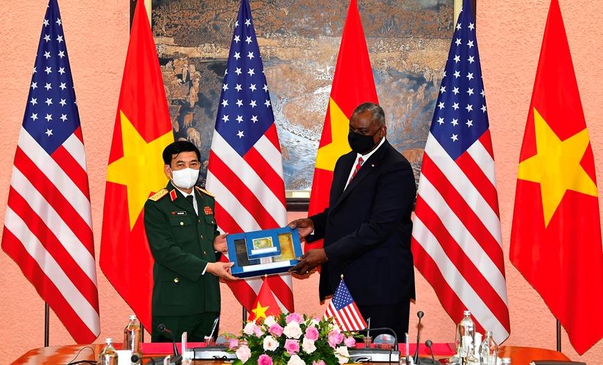 Bộ trưởng Quốc phòng Mỹ thông báo hỗ trợ Việt Nam trang thiết bị phòng chống Covid-19 - Ảnh 4.