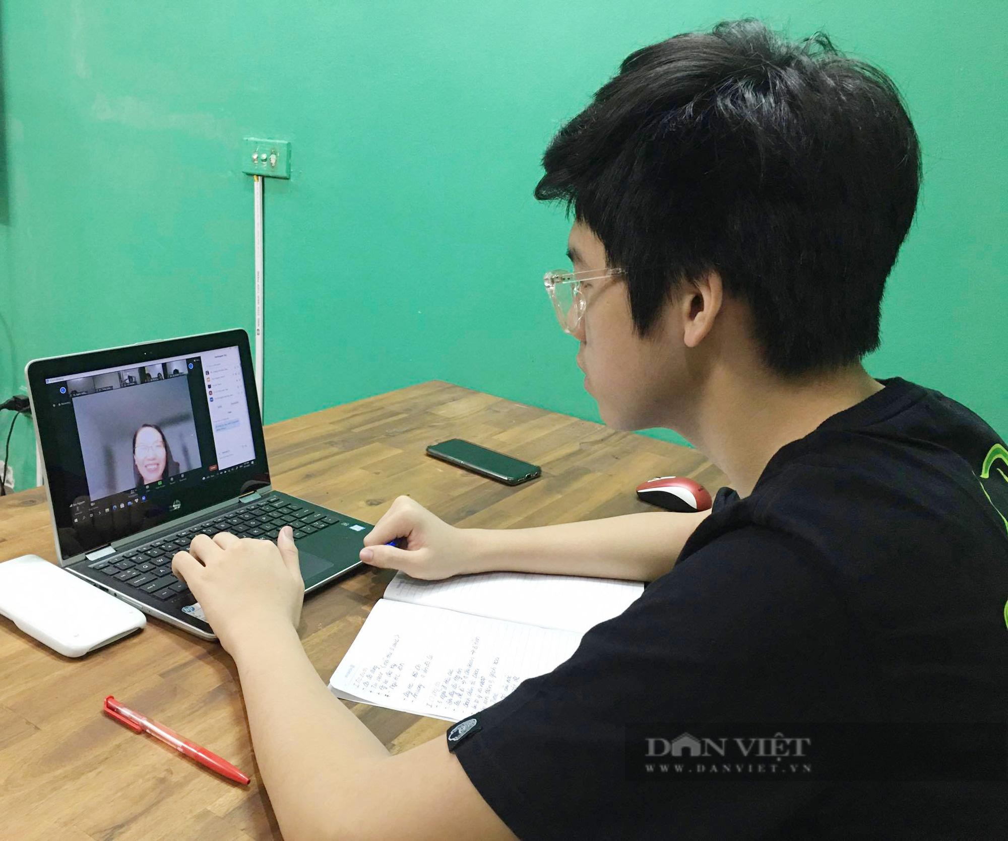Hà Nội: Các trường bắt đầu cho học sinh ôn tập và kiểm tra học kỳ 2 online - Ảnh 2.