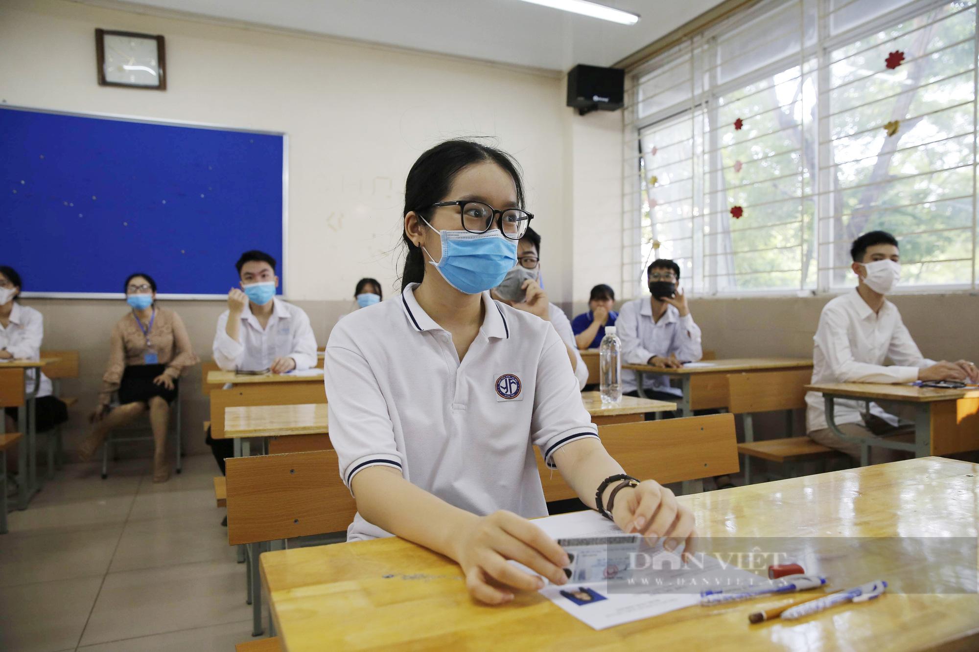 Điểm chuẩn đại học 2021 và xu hướng chọn ngành năm nay thế nào? - Ảnh 2.