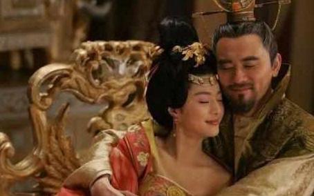 Lạ đời mỹ nhân bị hôi nách nhưng vẫn khiến hoàng đế si mê đắm đuối cả đời