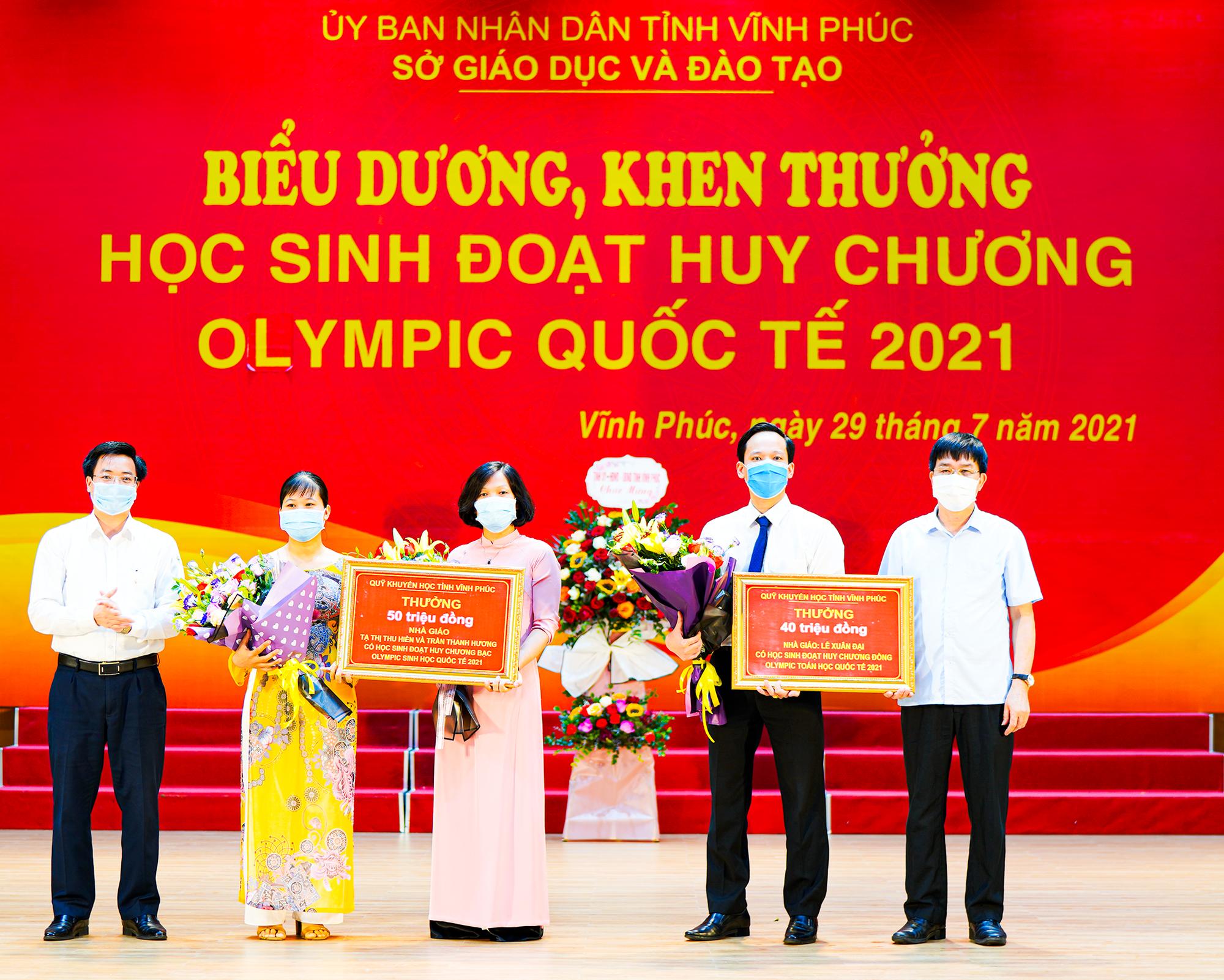"""Một tỉnh thưởng """"khủng"""" - hơn 1 tỷ đồng cho 5 thầy, trò có giải tại Olympic quốc tế - Ảnh 2."""