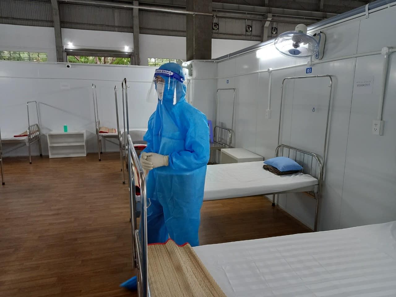 Bộ Y tế khảo sát lập Trung tâm Hồi sức Covid-19 tại TP.HCM - Ảnh 1.
