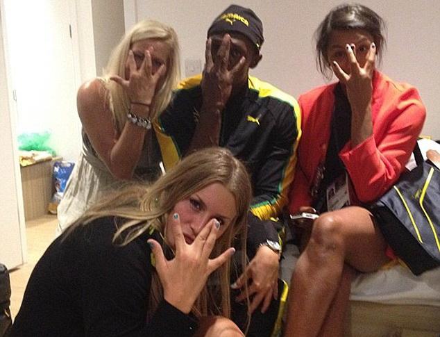 """Chuyện sex tại làng Olympic: Usain Bolt tham gia """"trò chơi 4 người""""? - Ảnh 1."""