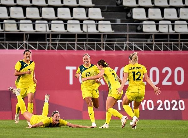 Xác định 2 cặp bán kết bóng đá nữ Olympic: Mỹ rộng cửa vô địch - Ảnh 1.