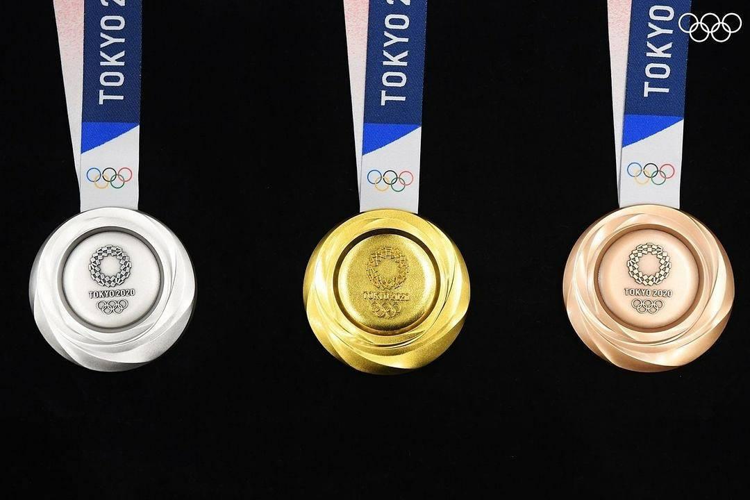 Huy chương vàng Olympic 2020 có được làm bằng vàng thật? - Ảnh 1.