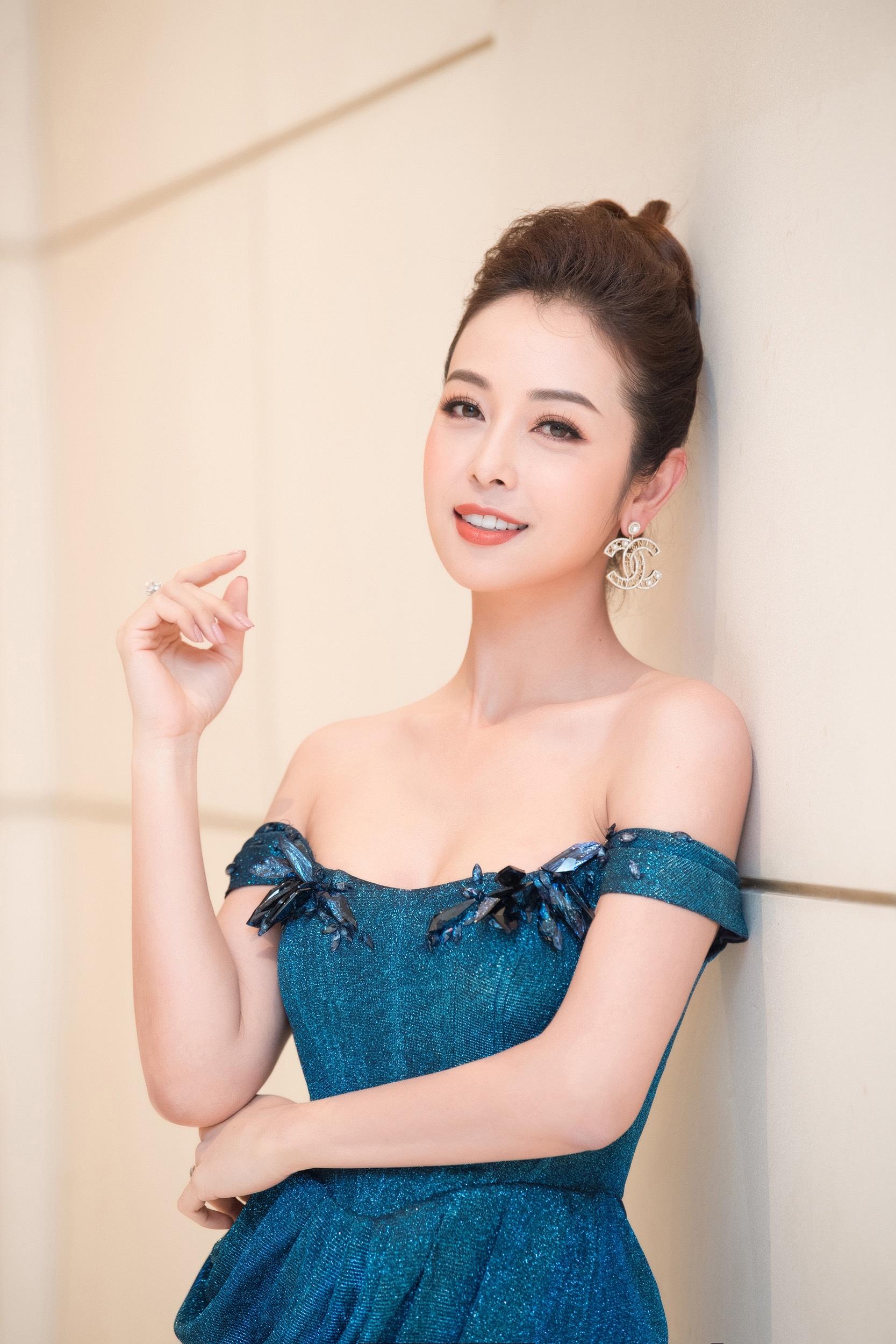 Hoa hậu Jennifer Phạm: Dịch Covid-19 cho chúng ta cơ hội sống chậm lại và yêu thương nhiều hơn - Ảnh 1.