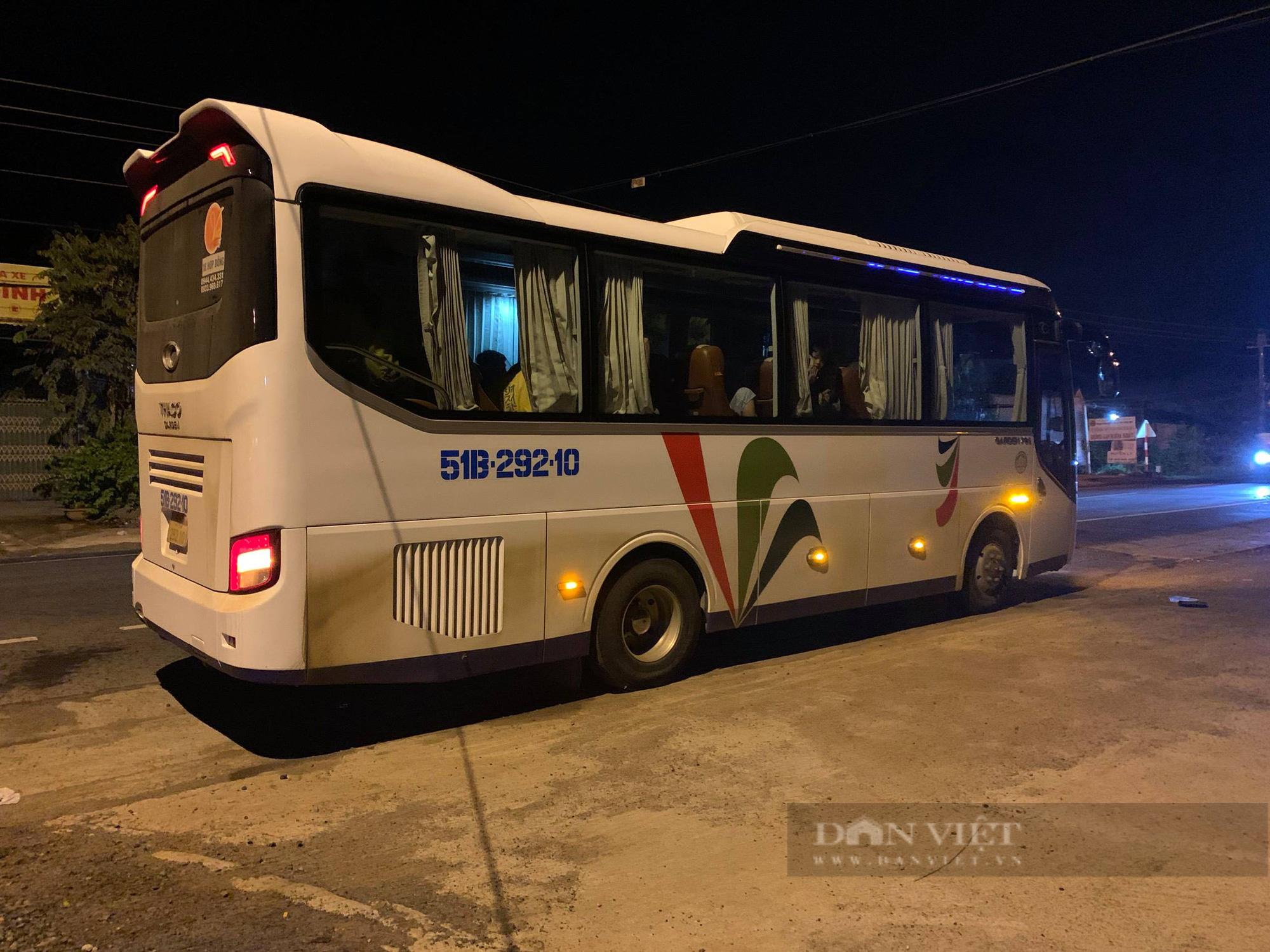 Xử phạt hơn 13 triệu đồng đối với tài xế và nhà xe đưa người từ vùng dịch về Đắk Lắk - Ảnh 2.