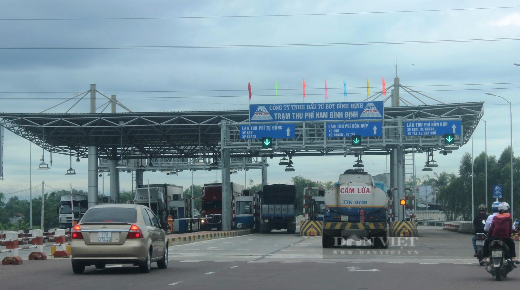 Tạm dừng thu phí tại trạm BOT Nam Bình Định để phòng chống dịch Covid-19 - Ảnh 1.
