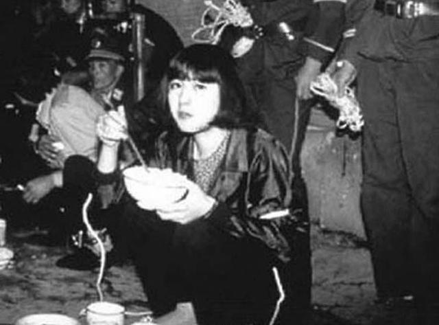 Nữ tử tù xinh đẹp nhất Trung Quốc và khẩn cầu kỳ lạ trước khi bị xử bắn ở tuổi 20 - Ảnh 4.