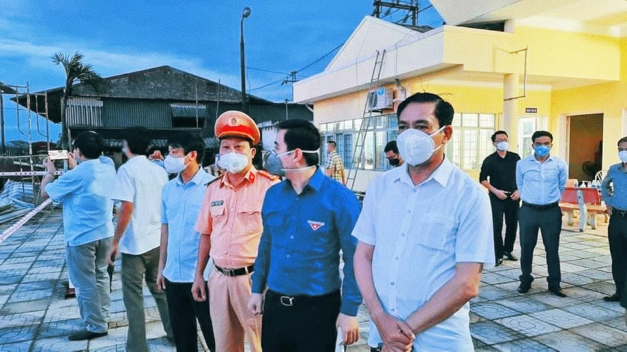 Chủ tịch UBND tỉnh Hà Tĩnh Võ Trọng Hải: '5 chuyến bay đưa khoảng 1.000 người Hà Tĩnh về quê nhà' - Ảnh 1.