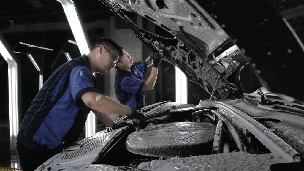 Cách rửa khoang máy ô tô tại nhà trong mùa dịch - Ảnh 2.