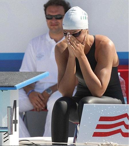 """Tai nạn đỏ mặt lúc bơi chung kết: Rách quần đúng """"chỗ hiểm"""" - Ảnh 3."""