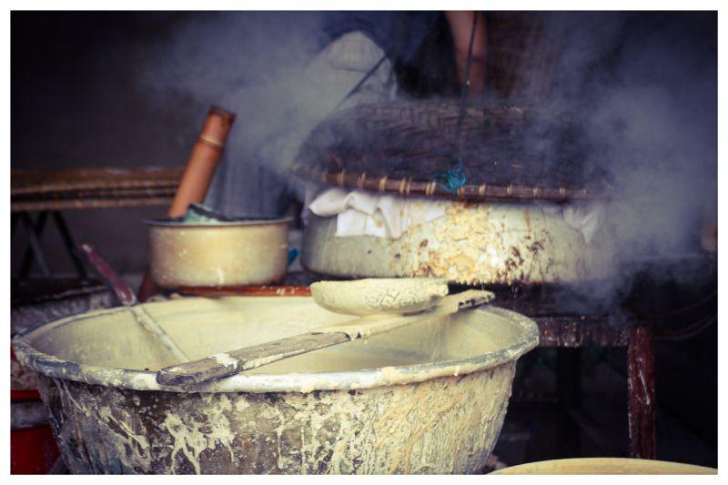 Bắc Giang: Ở ngôi làng làm ra thứ bánh đặc sản ăn giòn tan và thứ bánh để gói cái gì cũng được - Ảnh 5.
