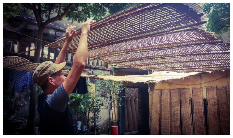 Bắc Giang: Ở ngôi làng làm ra thứ bánh đặc sản ăn giòn tan và thứ bánh để gói cái gì cũng được - Ảnh 6.
