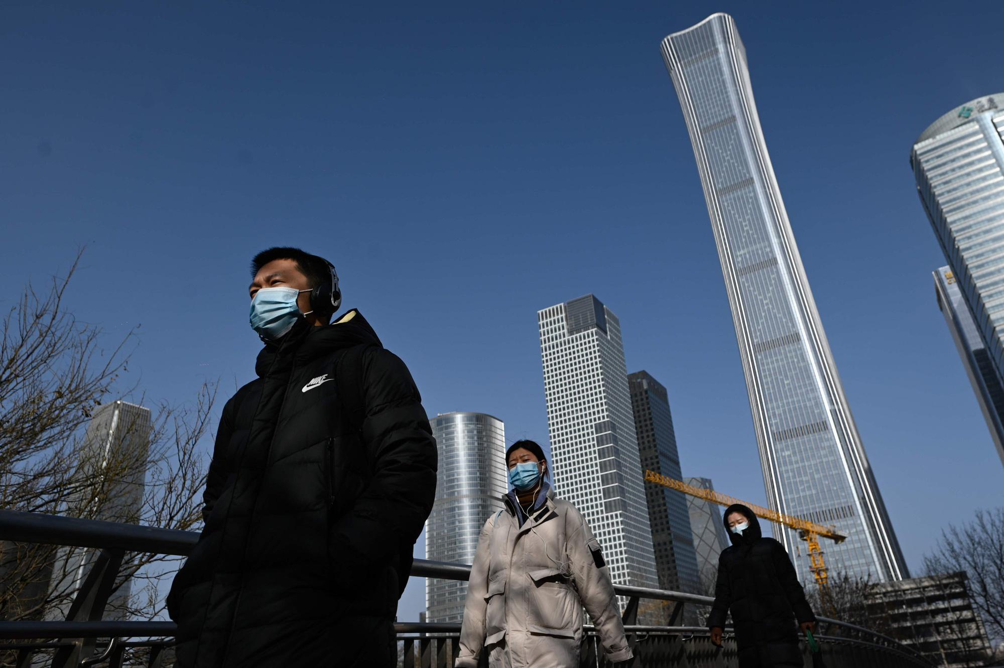 Nhìn sâu vào bức tranh kinh tế Trung Quốc: phục hồi chưa đồng đều, phân hóa ngày càng rõ - Ảnh 1.