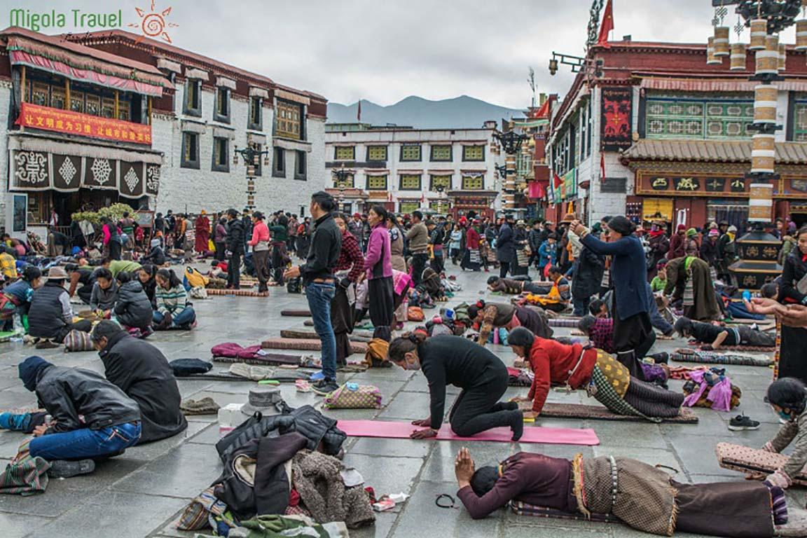 Du lịch tâm linh: Lhasa - Điểm đến ở độ cao 3.700m của hàng nghìn du khách - Ảnh 3.
