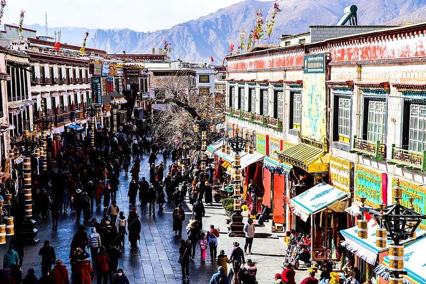 Du lịch tâm linh: Lhasa - Điểm đến ở độ cao 3.700m của hàng nghìn du khách - Ảnh 7.