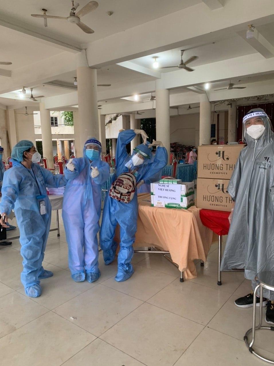 Việt Hương kể về những góc khuất khi làm từ thiện chống dịch Covid-19 tại TP Hồ Chí Minh - Ảnh 4.