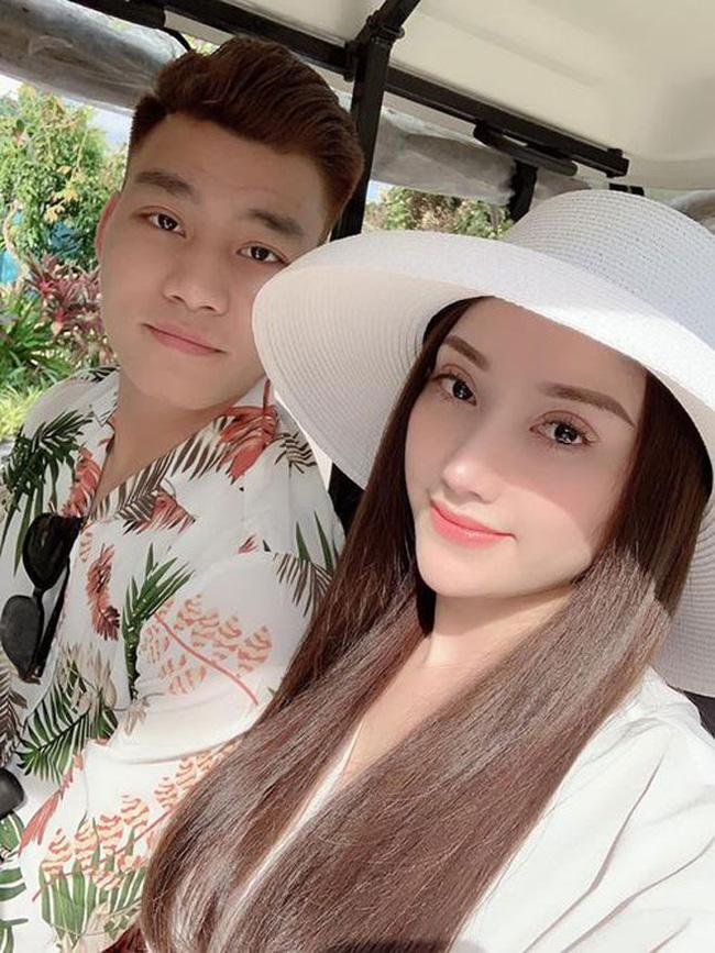 Sau khi chia tay hậu vệ Văn Thanh, hot girl Bảo Trân ngày càng gợi cảm - Ảnh 4.