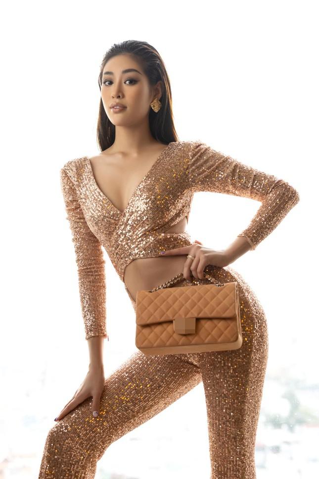 """Midu hiếm hoi diện đồ nóng bỏng liền bị """"soi"""", Ngọc Trinh dẫn đầu top sao mặc đẹp tuần qua - Ảnh 4."""