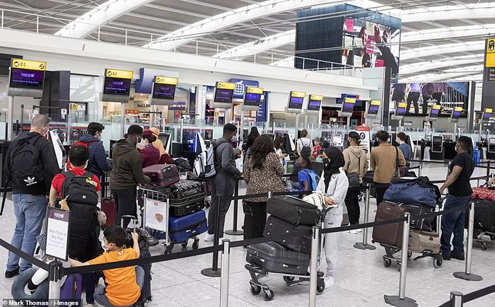 photo 1625825242337 1625825242550378471974 Thái Lan lùi lịch mở cửa Bangkok sang tháng 11
