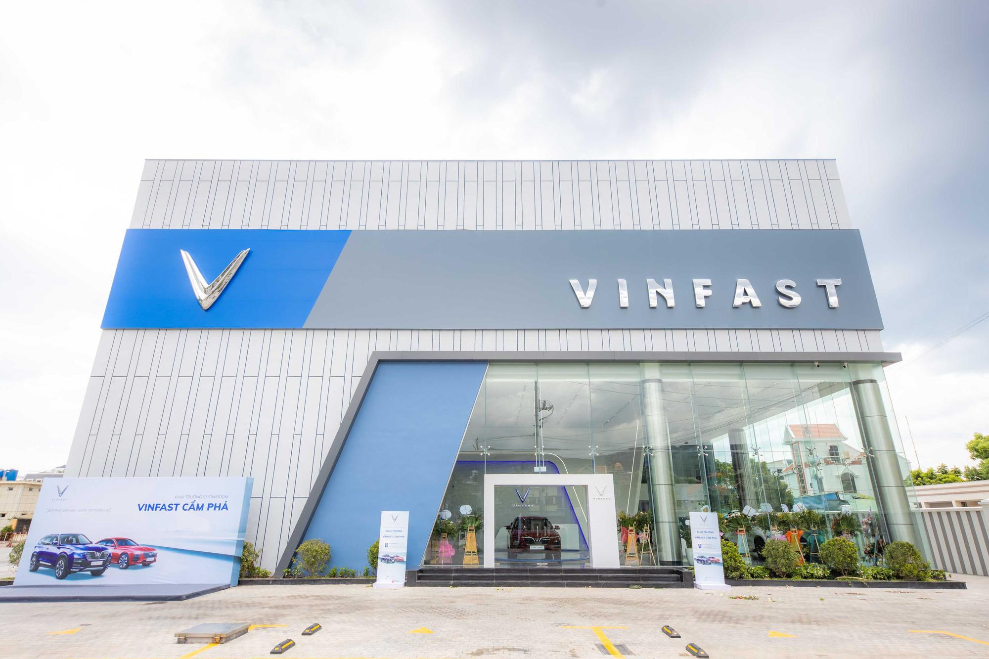 """VinFast khai trương showroom 3S Cẩm Phả, """"trình làng"""" diện mạo hoàn toàn mới - Ảnh 1."""