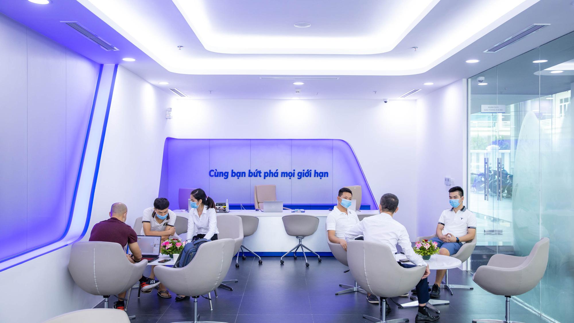 """VinFast khai trương showroom 3S Cẩm Phả, """"trình làng"""" diện mạo hoàn toàn mới - Ảnh 7."""