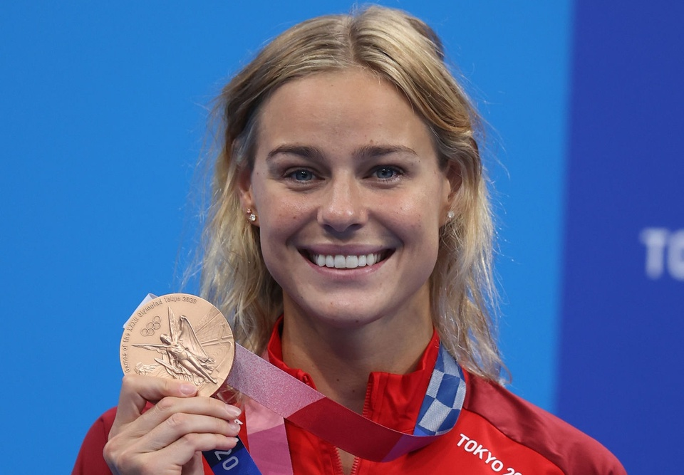 Nữ kình ngư 27 tuổi với nụ cười tỏa nắng, dù không bảo vệ thành công HCV Olympic - Ảnh 2.
