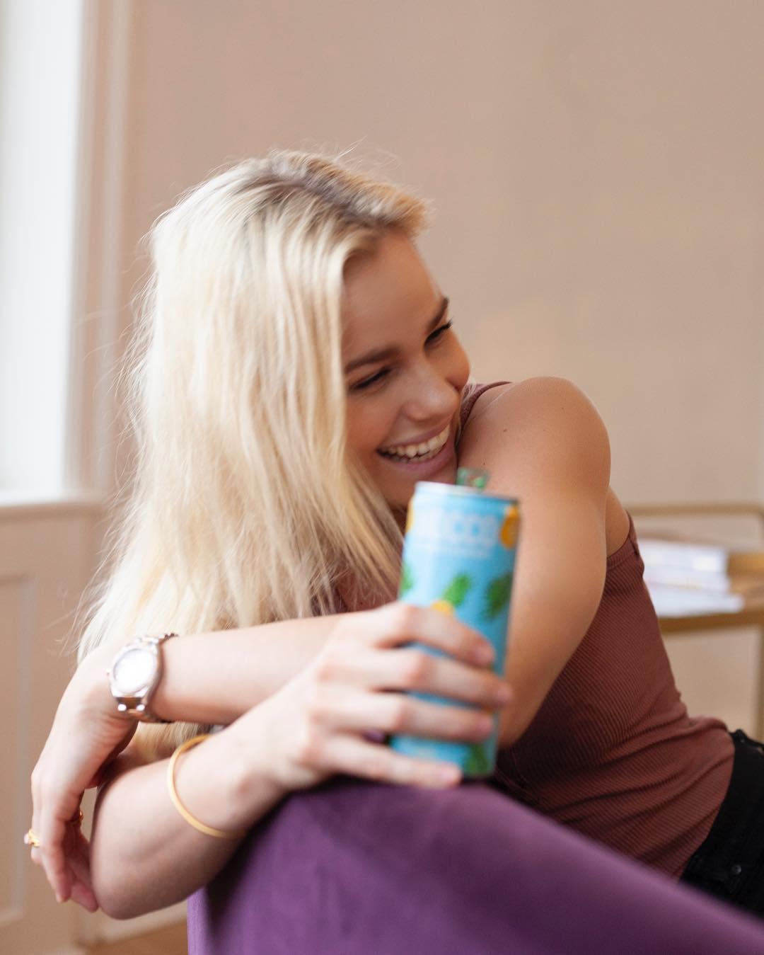 Nữ kình ngư 27 tuổi với nụ cười tỏa nắng, dù không bảo vệ thành công HCV Olympic - Ảnh 5.