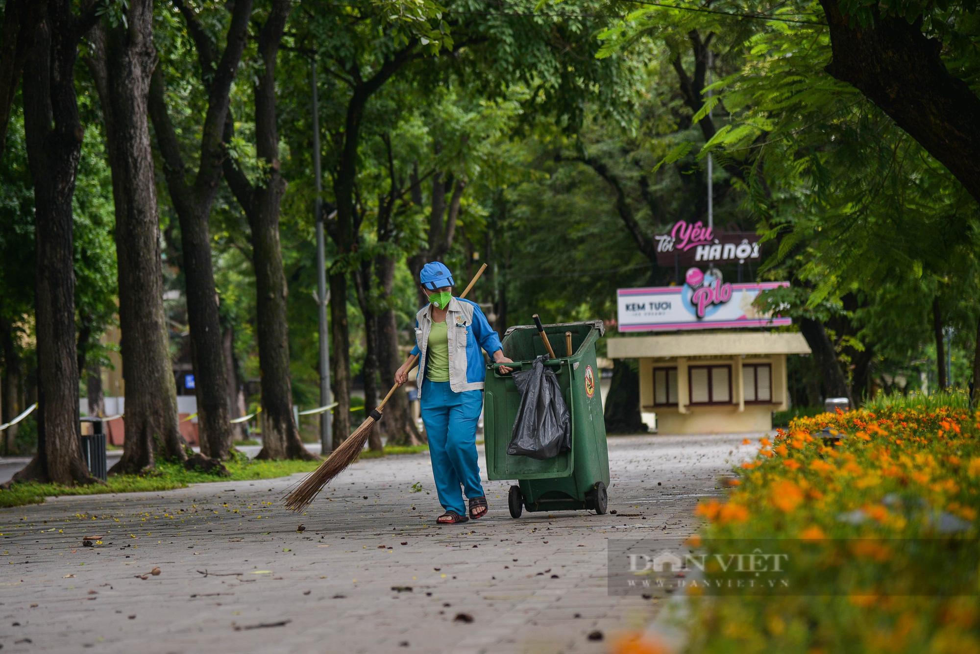 Công nhân vệ sinh môi trường: 'Thất thu' nhẹ mùa dịch, việc nhiều hơn - Ảnh 8.