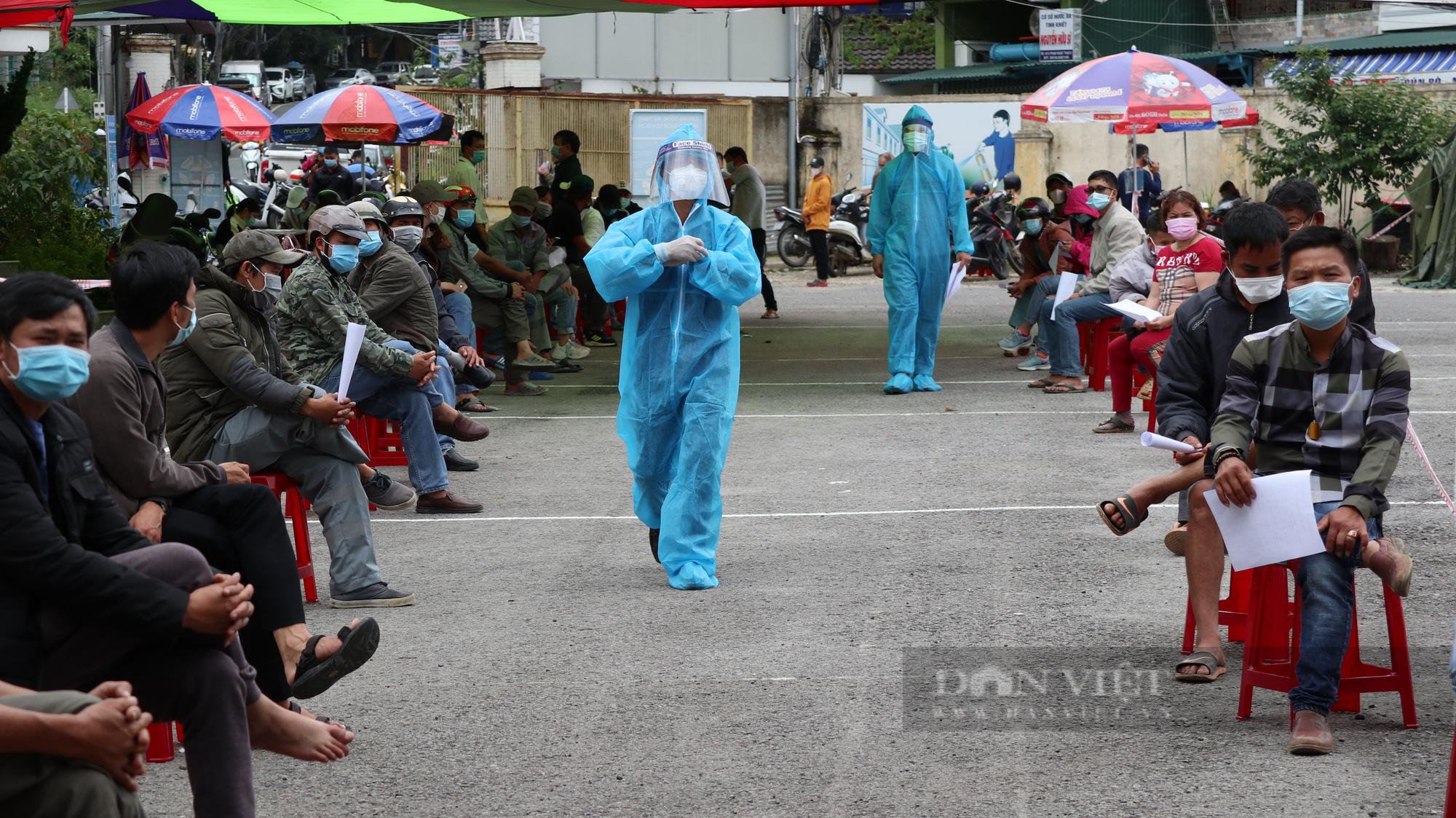 Tạm đình chỉ công tác chủ tịch phường Lộc Sơn do thiếu trách nhiệm trong phòng chống Covid-19  - Ảnh 1.