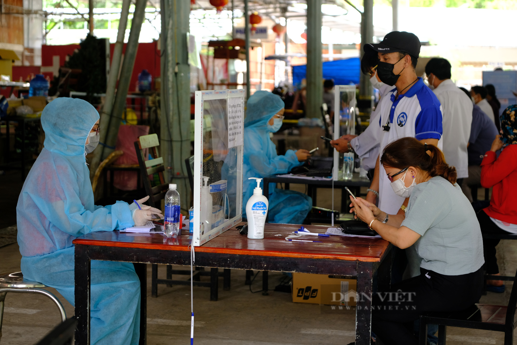 Tạm đình chỉ công tác chủ tịch phường Lộc Sơn do thiếu trách nhiệm trong phòng chống Covid-19  - Ảnh 2.
