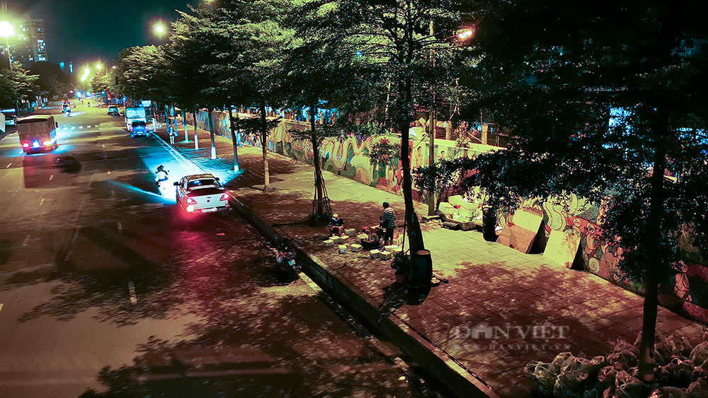 Hà Nội: Phong tỏa tạm thời chợ Long Biên ngay trong đêm do liên quan ca mắc Covid-19 - Ảnh 8.