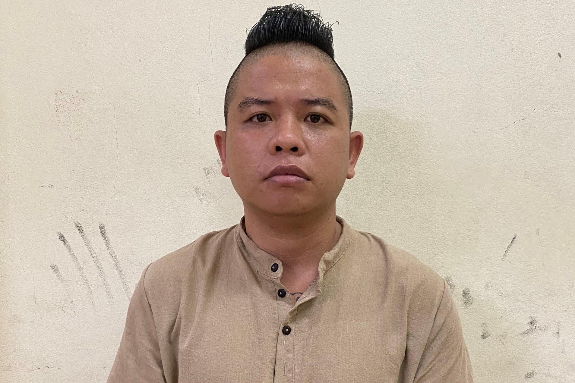 """Vụ """"Thánh chửi"""" Dương Minh Tuyền bay lắc ở quán hát: Khởi tố 5 đối tượng - Ảnh 3."""