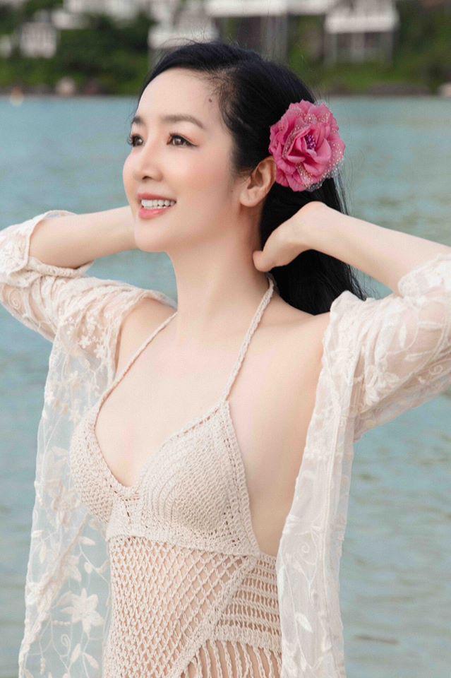 Ngỡ ngàng vì nhan sắc 2 Hoa hậu ở tuổi U50 vẫn xinh đẹp, quyến rũ bất chấp thời gian - Ảnh 9.