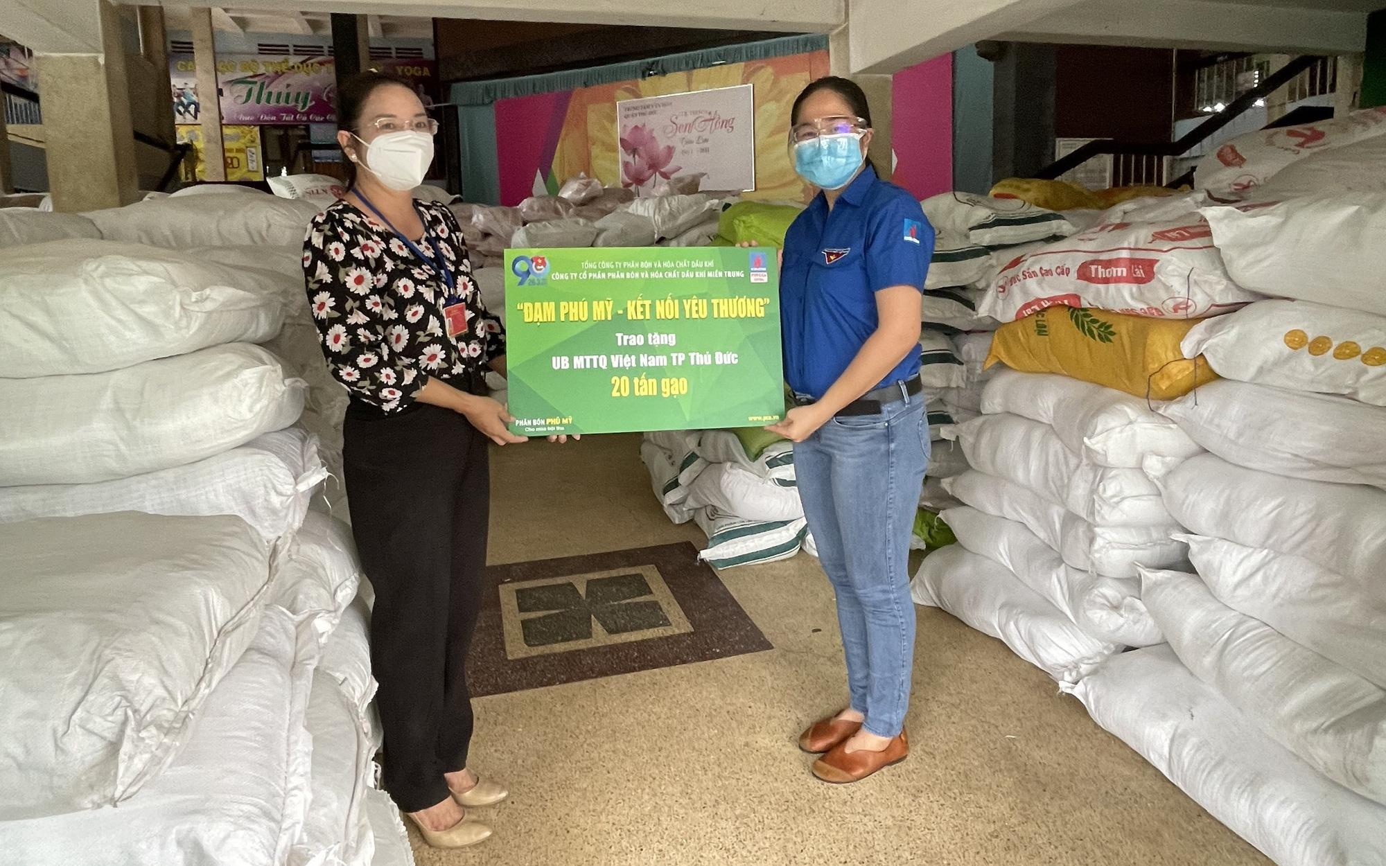 Nỗ lực và tấm lòng của người lao động PVFCCo trong đại dịch