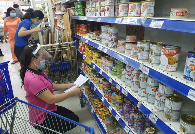 Lo ngành chế biến lương thực, thực phẩm bị đứt nguồn cung, TP.HCM kiến nghị Thủ tướng gỡ khó - Ảnh 1.