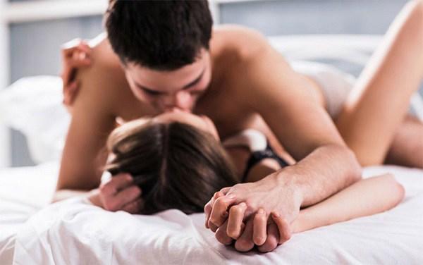 Kiệt sức vì ngày nào vợ cũng đòi ân ái 1-2 lần, nam trung niên cầu cứu bác sĩ - Ảnh 3.