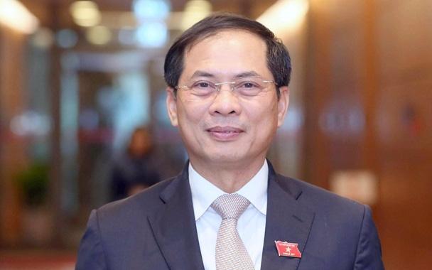 Bộ trưởng Ngoại giao Bùi Thanh Sơn và 7 Thứ trưởng các Bộ được giao trọng trách mới liên quan đến vaccine