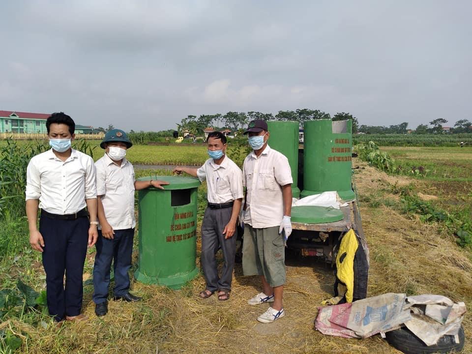 Vĩnh Phúc: Nông dân ra đồng bảo vệ môi trường, đồng ruộng thêm xanh-sạch - Ảnh 1.