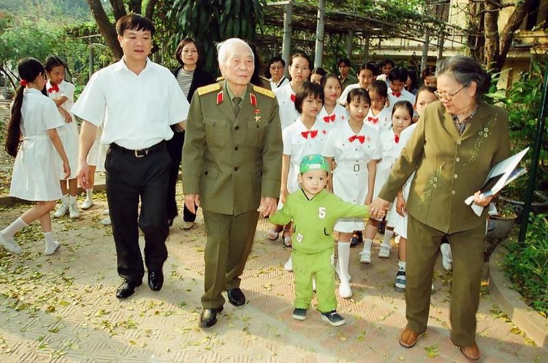 Chuyện Đại tướng Võ Nguyên Giáp đề nghị khôi phục hang Cốc Bó và điều chỉnh đường Hồ Chí Minh - Ảnh 9.