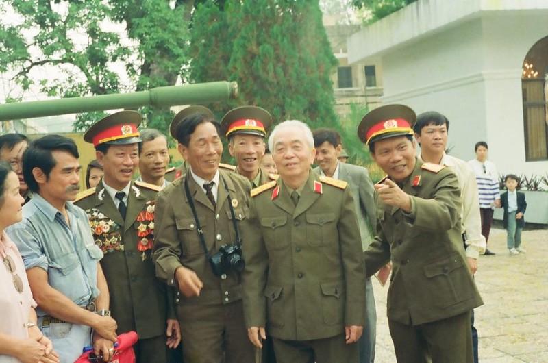 Chuyện Đại tướng Võ Nguyên Giáp đề nghị khôi phục hang Cốc Bó và điều chỉnh đường Hồ Chí Minh - Ảnh 7.