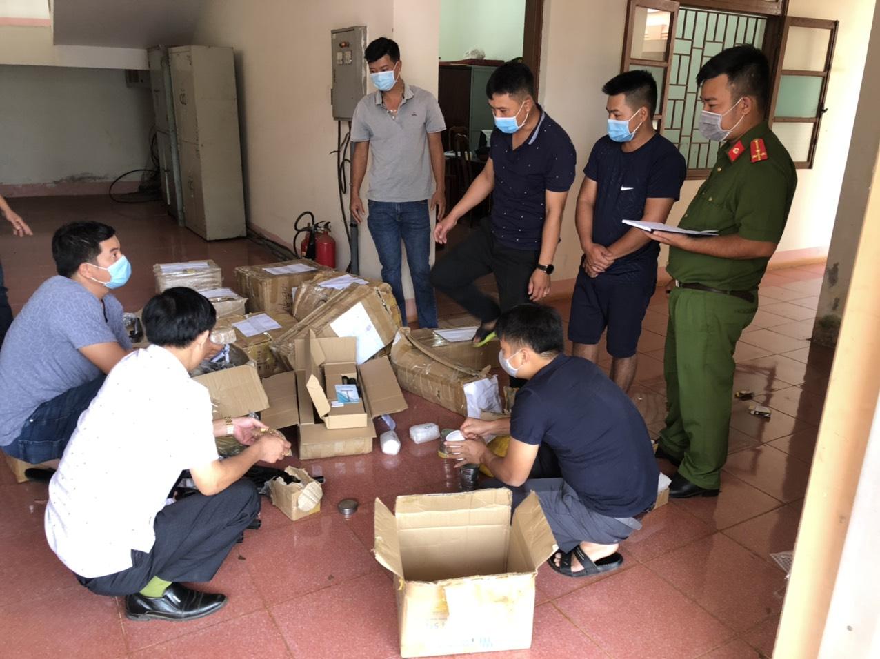 kiem tra 1629119358056960214349 Đắk Nông: Bắt nhóm đối tượng buôn bán súng đạn trái phép số lượng lớn