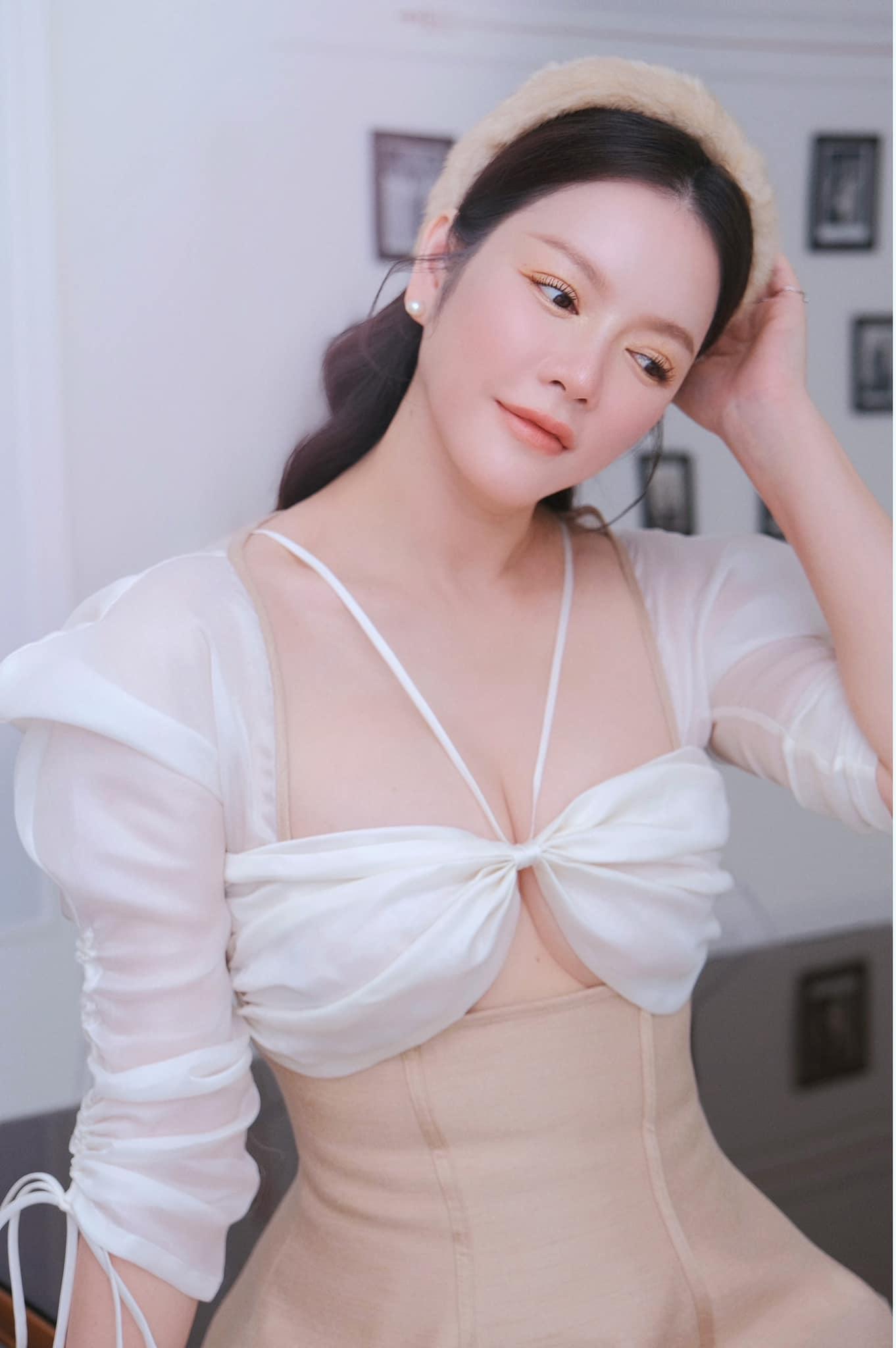 Diễm Hương gợi cảm hút mắt khi ở nhà, Chi Pu dẫn đầu top sao mặc đẹp tuần qua - Ảnh 12.