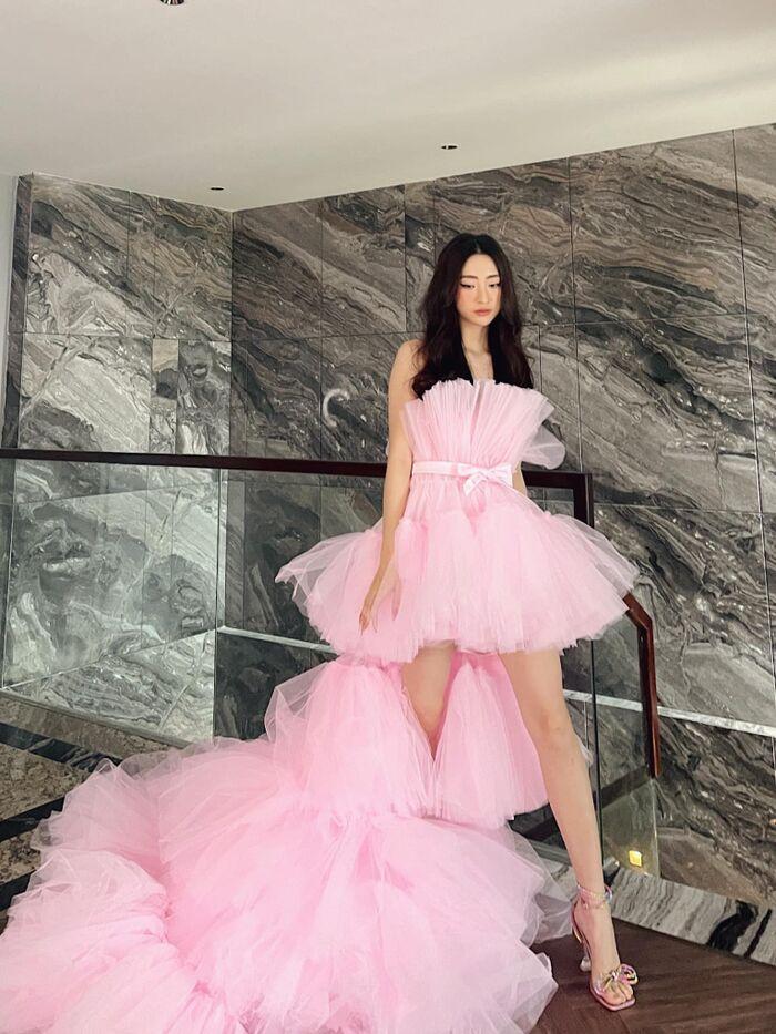 Diễm Hương gợi cảm hút mắt khi ở nhà, Chi Pu dẫn đầu top sao mặc đẹp tuần qua - Ảnh 10.