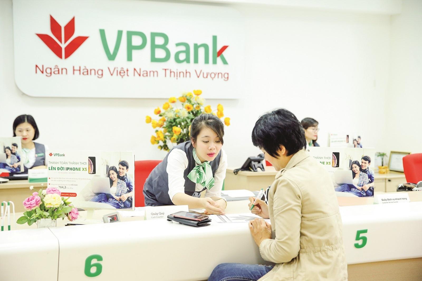 """""""Tứ mã"""" ngân hàng rượt đuổi thứ hạng gay cấn, Techcombank và VPBank """"so kè"""" - Ảnh 5."""