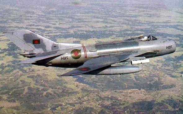 Tại sao Liên Xô không viện trợ trực tiếp MiG-19 cho Việt Nam? - Ảnh 12.