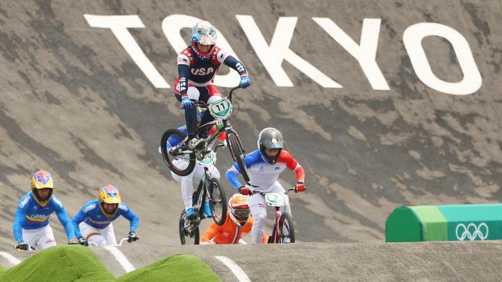 Nhà vô địch Olympic gặp tai nạn, bị xuất huyết não, gãy xương sườn, dập phổi - Ảnh 2.